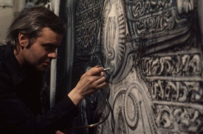 hr-giger-at-work1